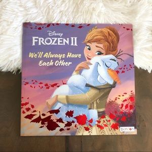 NWOT Frozen 2 Paperback Book